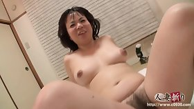 Asian chubby MILF gets creampied